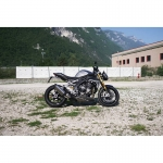 Triumph_SpeedTriple1200RS_2021.jpg